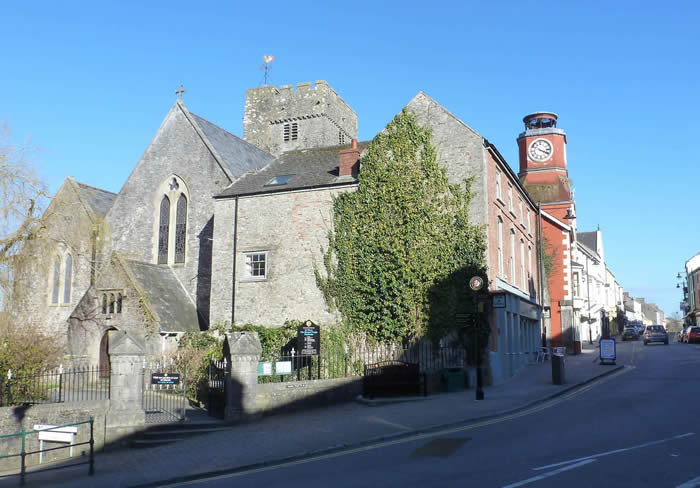 St Marys Church Pembroke by Linda Asman